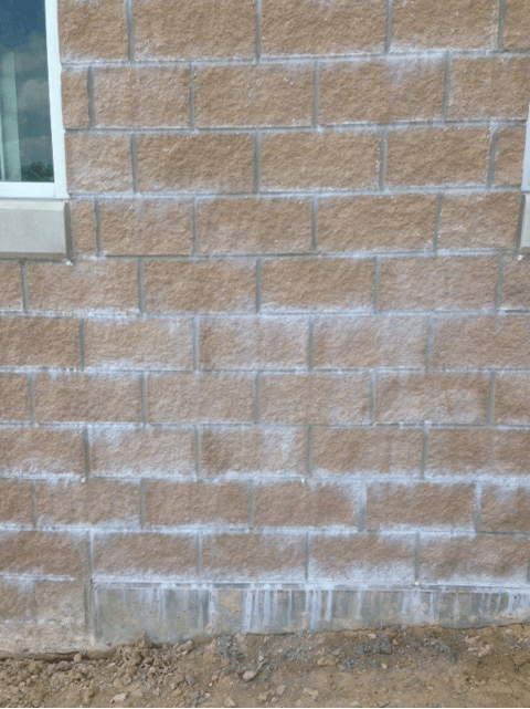 Excess admixture in mortar - spilt face block